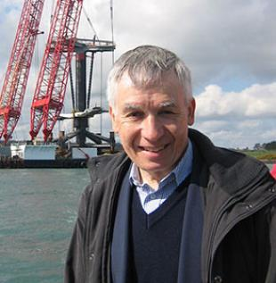 Peter Fraenkel MBE and Seagen on installation barge