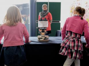 Children at the Edinburgh International Science Festival