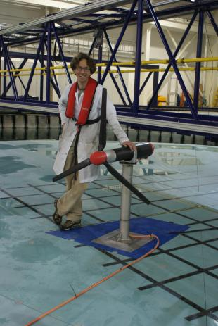 Experimental considerations and testing for extreme loads on tidal turbines