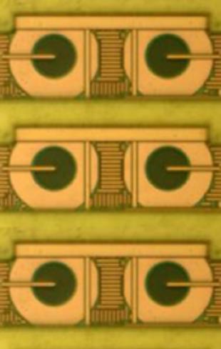 CMOS single photon avalanche diode array