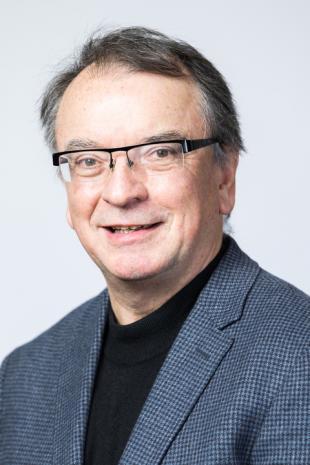 Prof Gordon Masterton